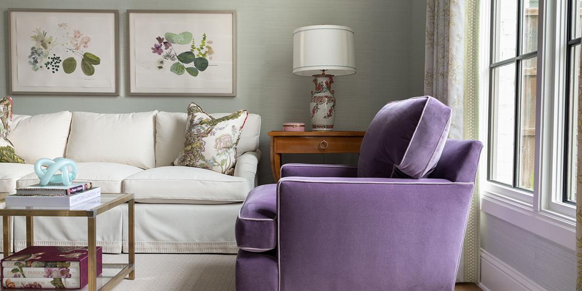Living room purple lounge chair photo